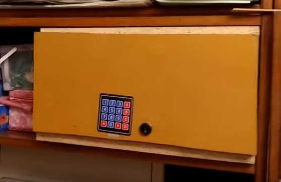 Сейф с кодовым замком на Arduino