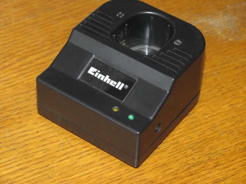 Импульсное зарядное устройство для NiCd аккумуляторов на MAX713 (вариант с повышенным напряжением питания)